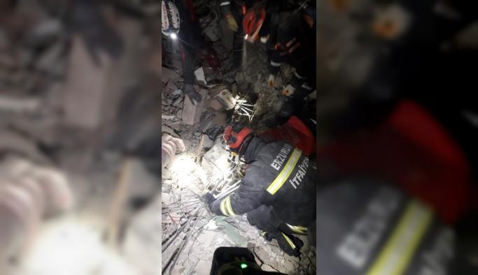 Büyükşehir'in arama kurtarma ekipleri deprem bölgesinde