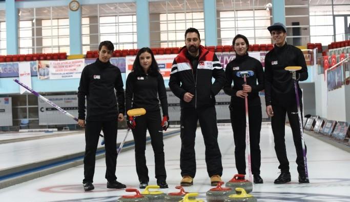 Curling Milli Takımı İsviçre'de
