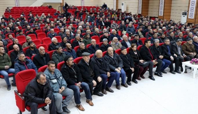 Erzincan çiftçisi 2020 yılında uygulanması planlanan sulama suyu zammına tepki gösterdi