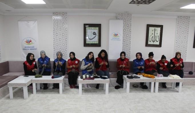 Erzincan'da gençlerden İdlib'e yardım eli