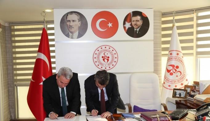 Erzurum İl Sağlık Müdürlüğü ile Erzurum Gençlik ve Spor İl Müdürlüğü iş birliği protokolü