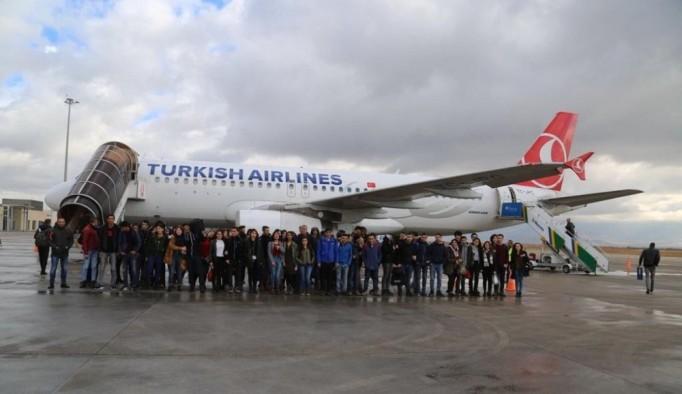 Tunceli'den 600 öğrenci uçakla İstanbul'a gönderilecek