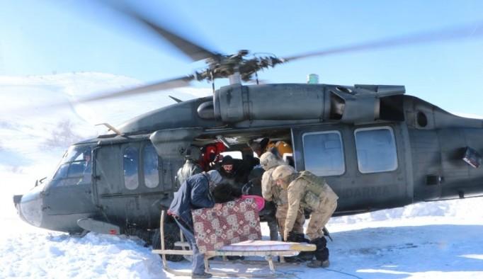 Erzurum'da askeri helikopterle hasta kurtarma operasyonu