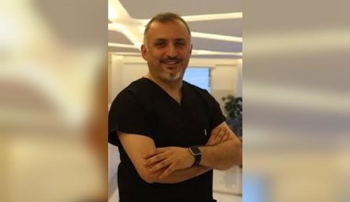 Ünlü Dr. Ömer Faik Sağun, Sevgililer Günü hediyelerine başka boyut getirdi