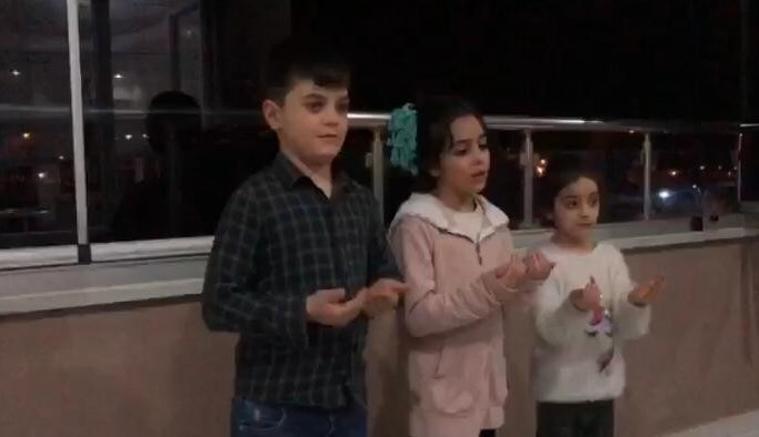 Erzurumlu minikler 'Korona'ya karşı dua etti