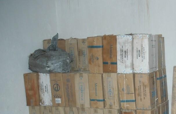 Başkale de 9 bin 150 paket kaçak sigara ele geçirildi.