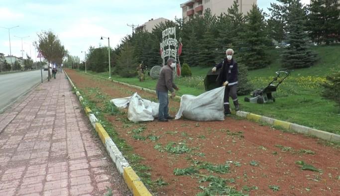 Erzurum'da cadde ve sokaklar boş kaldı