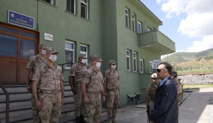 Vali Çağatay'dan jandarma karakoluna ziyaret