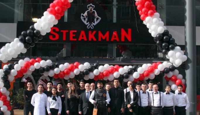 15 yaşında kasaplığa başladı, restoranında Steakman markasını büyütüyor