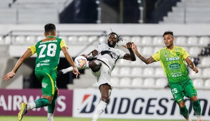 Adebayor'un 4 maçlık serüveni sona erdi