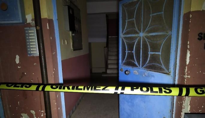 Arnavutköy'de binaya sıkılan ilaçtan 1'i hamile 10 kişi zehirlendi