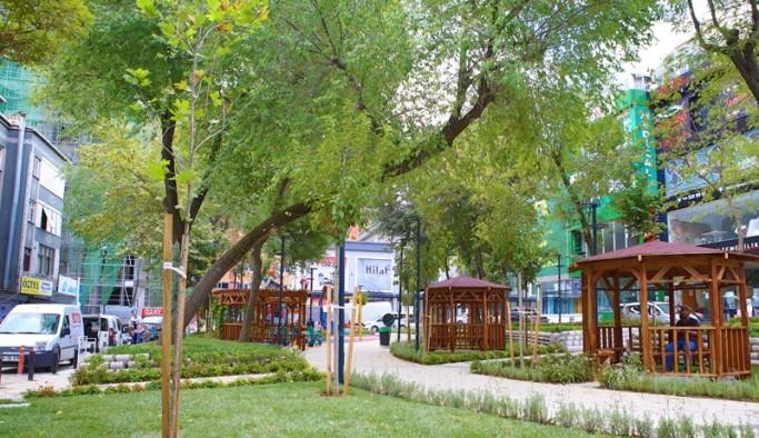 Bayrampaşa'da yenilenen parklar dikkat çekiyor