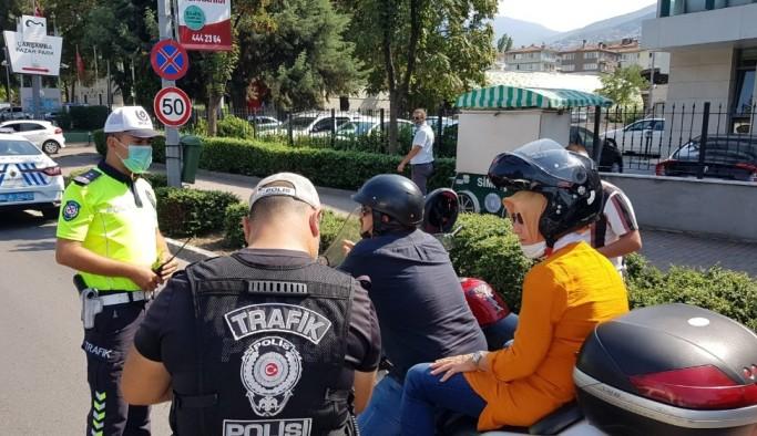 Bursa'da kasksız motosikletlilere operasyon