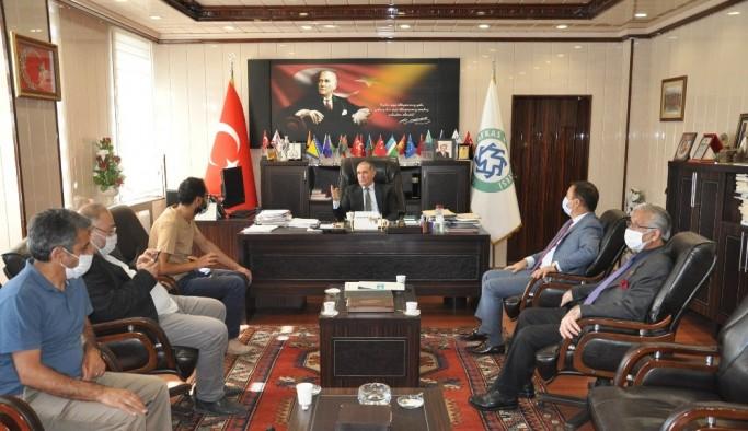 KAÜ Rektörü Prof. Dr. Hüsnü Kapu, basınla buluştu
