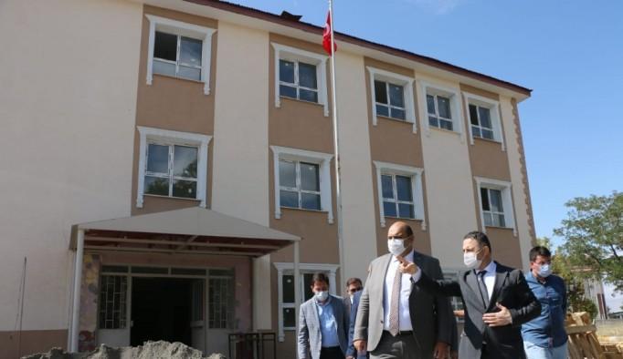 Minik öğrencilere Başkan Orhan sürprizi