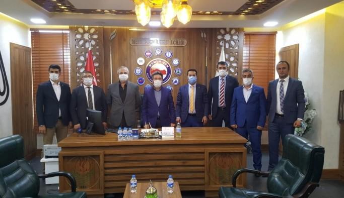 Büro-Memur-Sen yönetim adayları Memur-Sen Erzurum İl Başkanı Mustafa Karataş'ı ziyaret etti