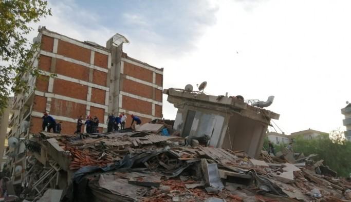 İzmir'deki depremde 6 can kayıbı, 202 yaralı