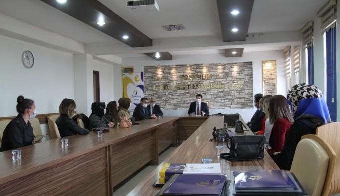 Erzurum'da öğretmenler kalite etiketi belgelerini aldılar