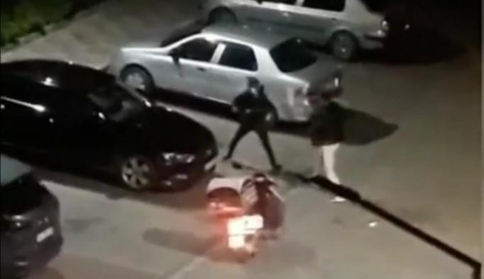 (Özel) İstanbul'da motosikletli kuryelerin kavgası kamerada