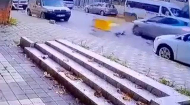(Özel)Maltepe'de motosiklet kazası kamerada