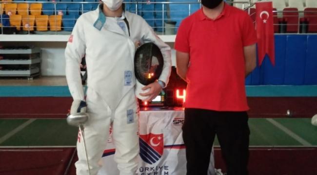 Eskrim sporcusu Akal, Dünya Şampiyonası için Milli takım kampına davet edildi
