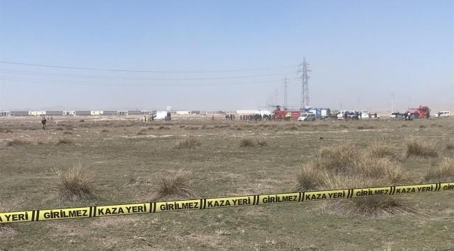 Konya'da savaş uçağı düştü. Olay yerine çok sayıda polis, ambulans, itfaiye ve AFAD ekipleri sevk edildi.