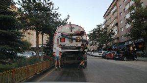 Erzurum'da patencilerin tehlikeli yolculuğu