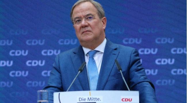 Almanya'da başbakan adayının vaadleri