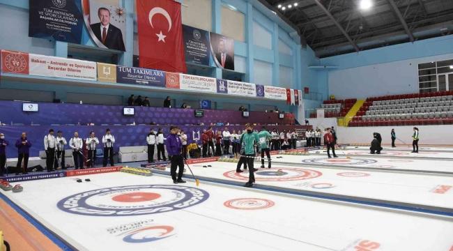 Curling 2022 Kış Olimpiyat Oyunları Erzurum'da devam ediyor