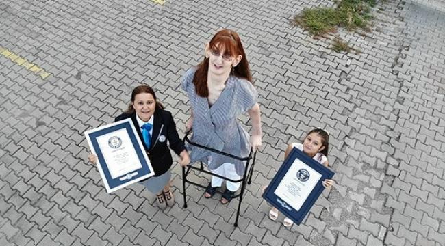 Dünyanın en uzun kadını