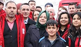 Aile Bakanı Selçuk, depremzedelerle bir araya geldi