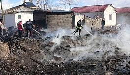 Erzincan'da örtü yangını