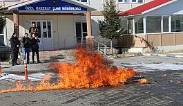 Kars'ta polisten gerçeği aratmayan tatbikat