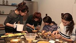 Misili çocuklar sanatçılarla atölyede buluştu