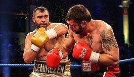 Türk boksörler Hamburg'da zaferlerini ilan etti