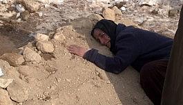 Depremde eşini ve 4 çocuğunu kaybeden kadının feryadı yürekleri dağladı