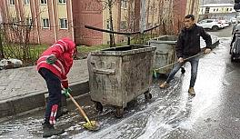 Hakkari'de her yer köpüklü suyla yıkandı