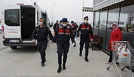 Jandarma birimleri 65 yaş üstü vatandaşların istek ve taleplerini yetiştirmeye çalışıyor
