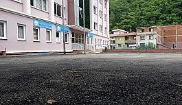 """""""Aktaş: """"Okul bahçelerine dökülen asfalt sağlık yönünden riskli"""""""