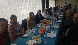 Çıldır Belediyesi emekli olan personeller için yemek organize etti