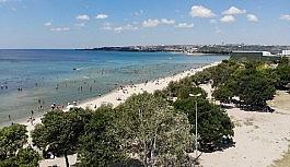 Menekşe Halk Plajı'nda endişelendiren kalabalık