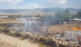 Tellere temas eden kargalar yangına sebep oldu