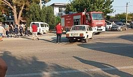 Minibüs ile otomobil çarpıştı. 1 ölü