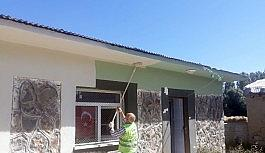 Van büyükşehir belediyesi okulları onarıyor