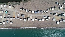 Pandemi, beş yıldızlı otellere komşu 'Çardak Beach' tatili sezonunu da uzattı