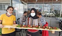 Bursa'nın kebapçı kız kardeşleri