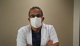"""Covid-19'u yenen doktor tekrar görevine başladı, """"Maske"""" ve """"Karantina"""" uyarısı yaptı"""