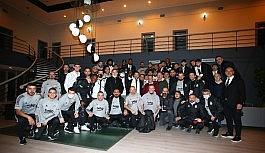 Ahmet Nur Çebi, takımı kutladı