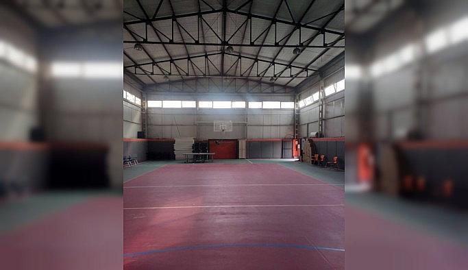 İzmir Valiliği spor salonunun hastaneye çevrildiği iddiasını yalanladı