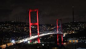 İstanbul'un köprüleri Azerbaycan bayrağı...